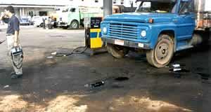 Contaminação por derrame superficial em pista de abastecimento não impermeabilizada