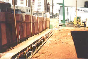 Remediação através de bombeamento e separador de água/óleo
