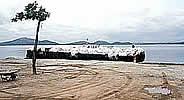 Resíduos transportados por barcaça