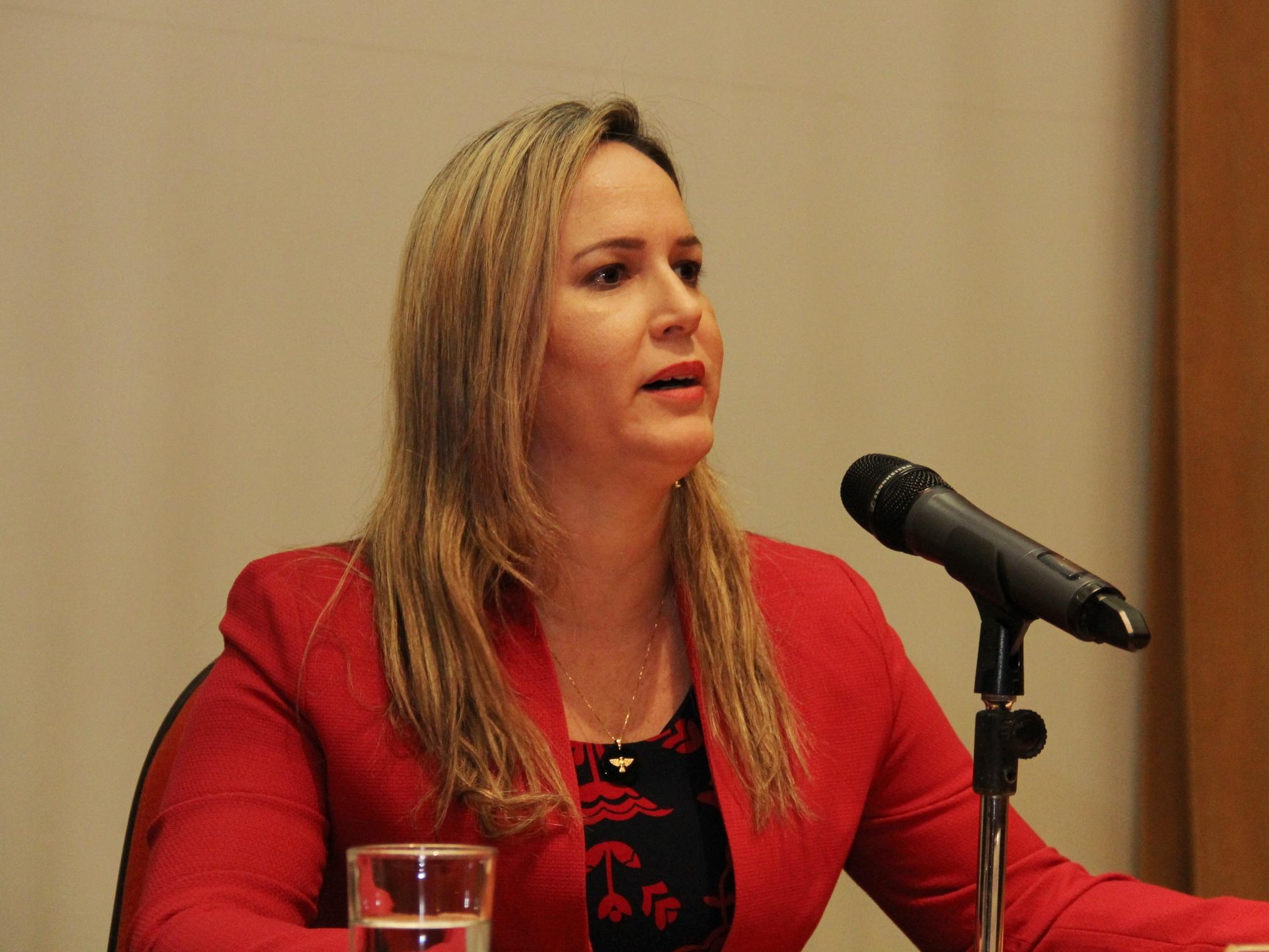 Andrea Santos - Secretária Executiva do PBMC (3)