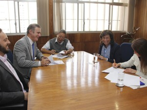 Dirigentes da Cetesb e Abre fecham parceria
