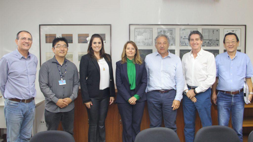 Prefeita de Itapetininga com representantes da cetesb