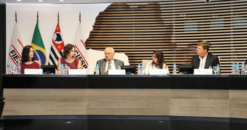 CETESB fala a empresários sobre a logística reversa no licenciamento