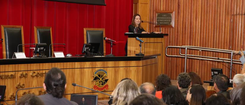 Presidente da CETESB realiza conferência magna em evento do TCE