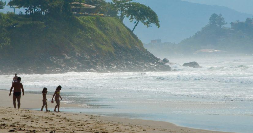 Maioria das praias no litoral paulista continua própria para o banho de mar