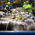 CETESB apresenta novas regras para cemitérios, hospitais de campanha e cooperativas de lixo reciclado